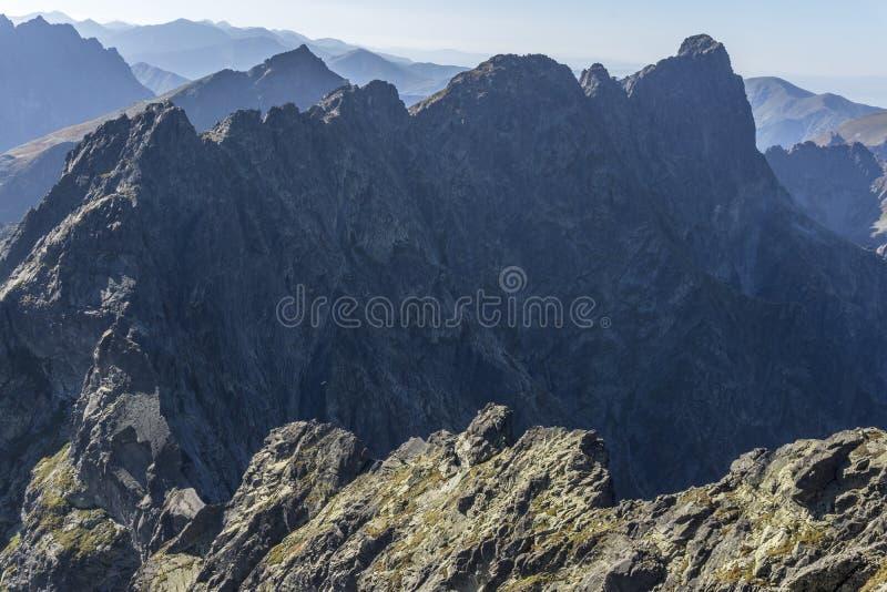 Picos majestuosos de las cumbres de Mieguszowiecki grandes de las altas montañas de Tatra imagen de archivo libre de regalías