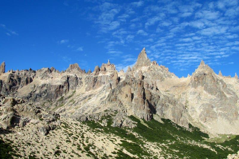Picos rocosos de Cerro Catedral fotografía de archivo