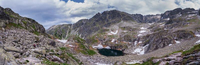 Picos rocosos en las montañas de Tatra fotografía de archivo