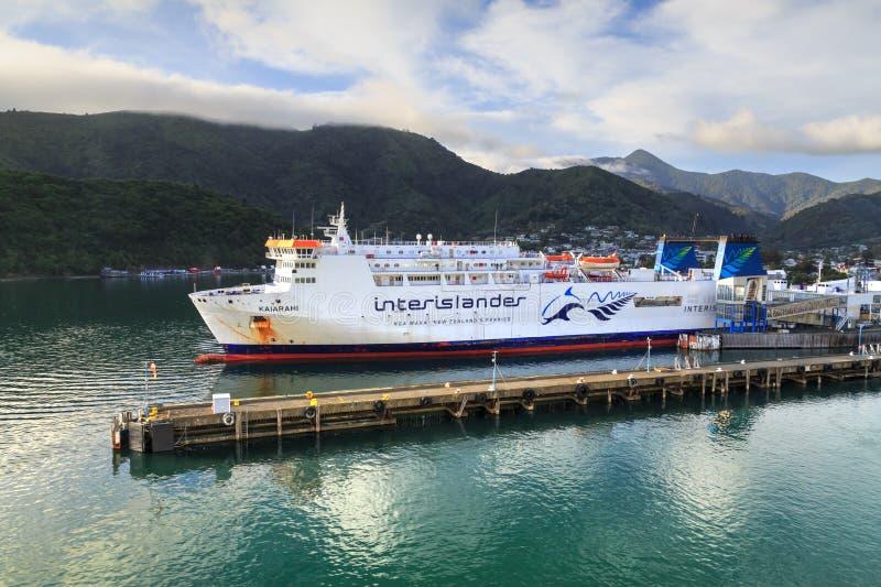 Picton, Nieuw Zeeland Een Interislander-Veerboot in Haven stock afbeelding
