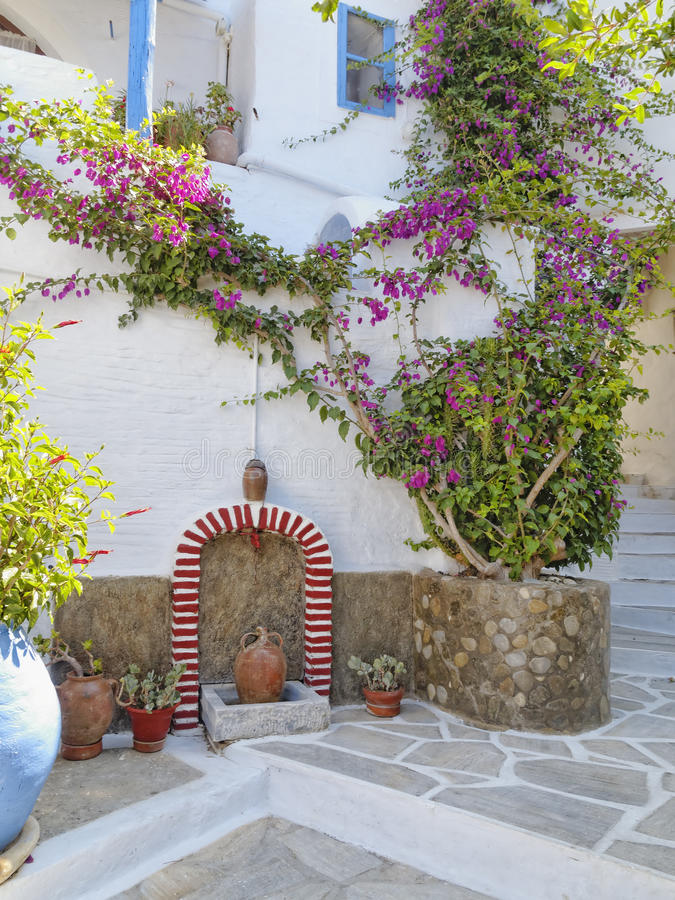 Free Picturesque Alley In A Mediterranean Island Stock Photo - 30341890