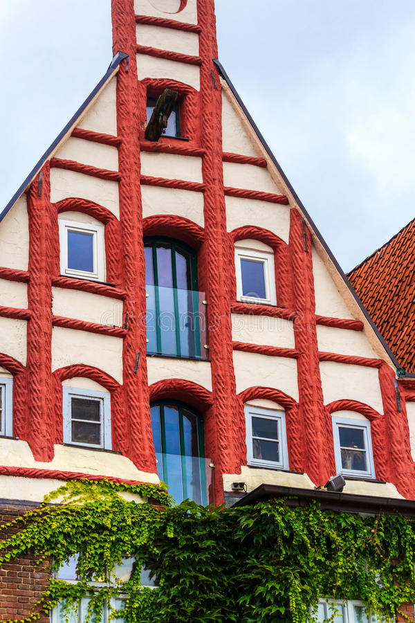 Download Picturesque Red And White House In The Old Town Of Lueneburg, Germany Stock Photo - Image of white, handcraft: 47890016