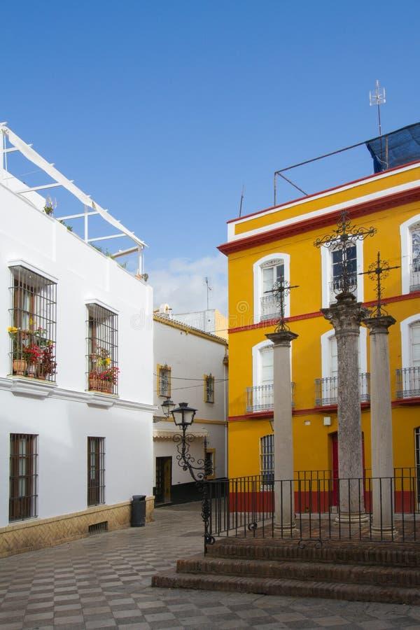 Picturesque square i Sevilla, Spanien arkivbilder