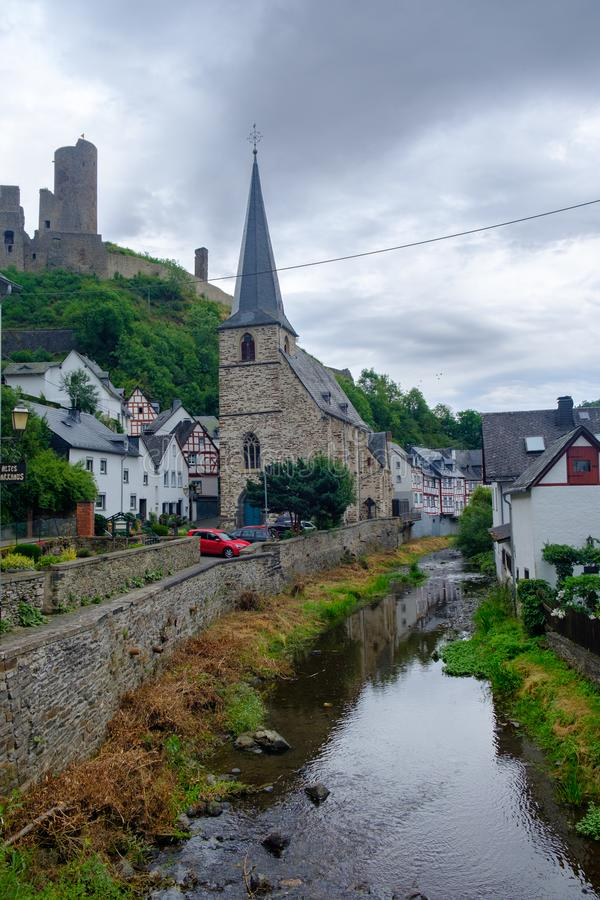 Castle Deutsch Stream