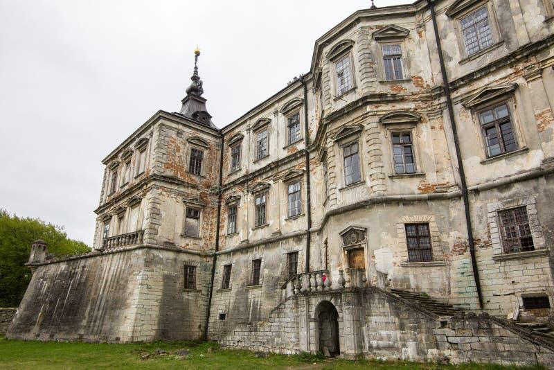 Pidhirci, Ucr?nia - 2 de maio de 2017: castelo velho Pidhirci do pal?cio em Ucr?nia foto de stock