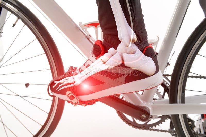 Pie del ciclista imagen de archivo libre de regalías