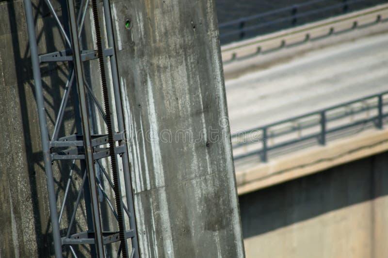 Pie del puente de la manera del elevador imagen de archivo
