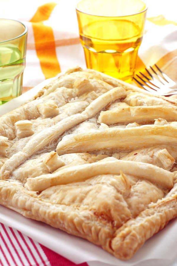 Pie med skinka och ost royaltyfria foton