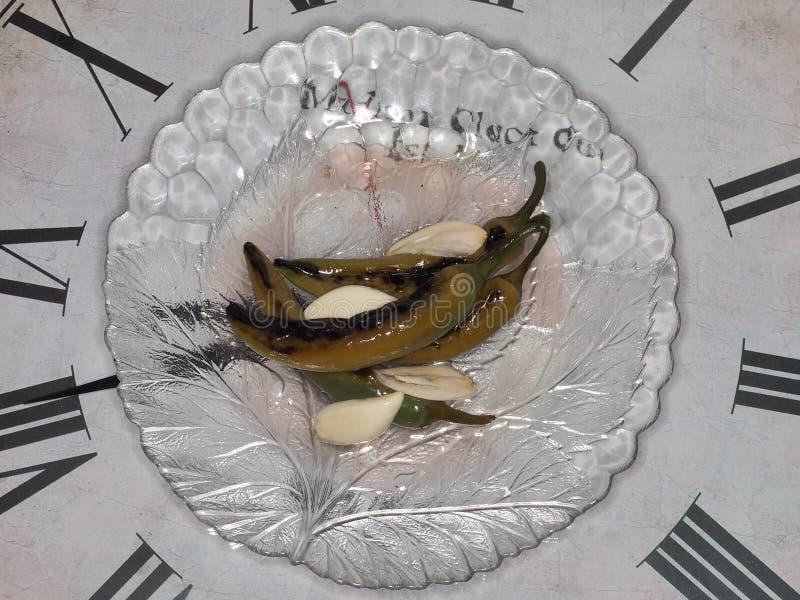 Piec gorący pieprze z czosnkiem zdjęcia stock