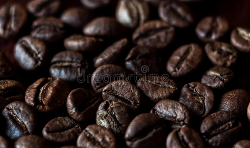 Piec kaw espresso kawowych fasoli tło obrazy stock