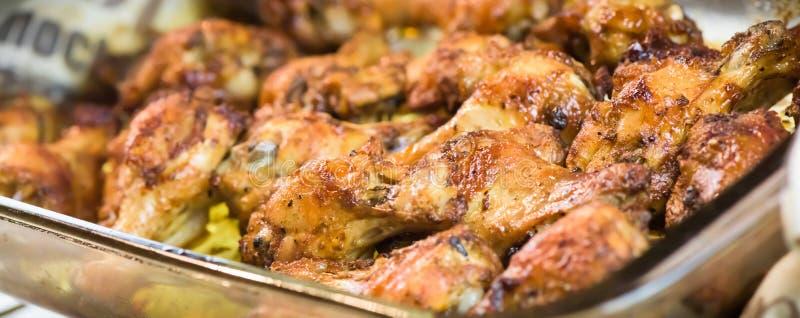 Piec kurczaków skrzydła makro-, zbliżenie - sztandaru projekt - fotografia stock