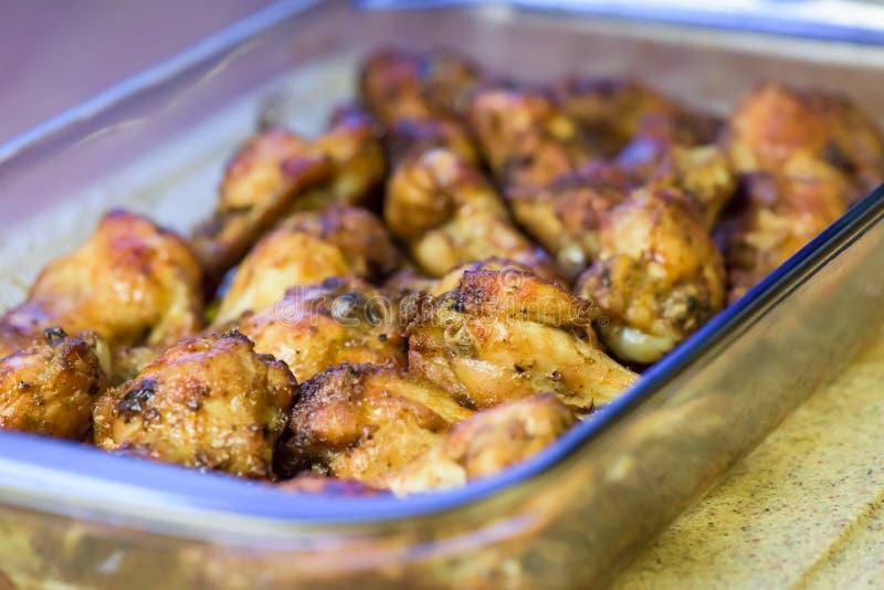 Piec kurczaków skrzydła - zbliżenie obraz stock