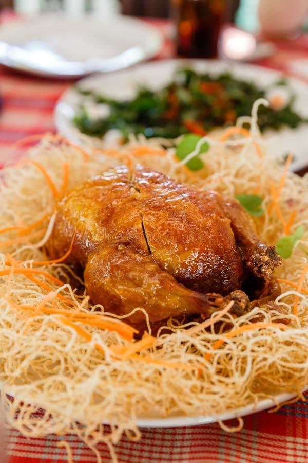 Piec kurczak z Smażącym Białym kluski obraz stock