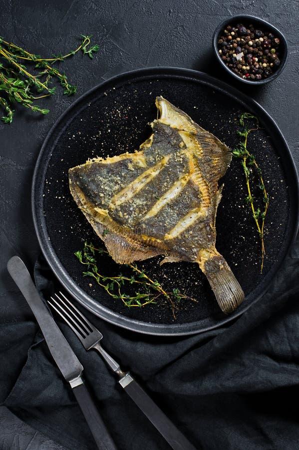 Piec na grillu gładzica, zrównoważony zdrowy jedzenie Szary tło, odgórny widok, przestrzeń dla teksta fotografia royalty free