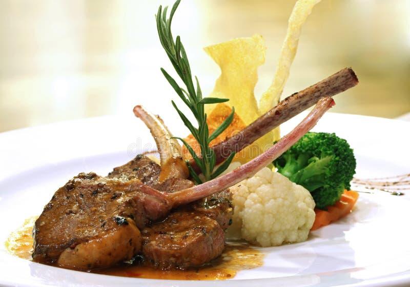 piec na grillu jagnięcy stek obrazy royalty free