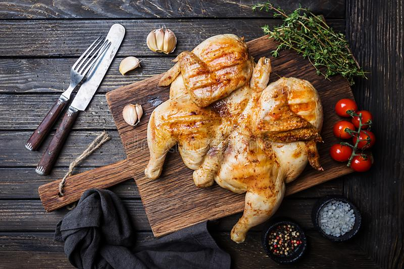 Piec na grillu kurczaka tytoń obraz royalty free