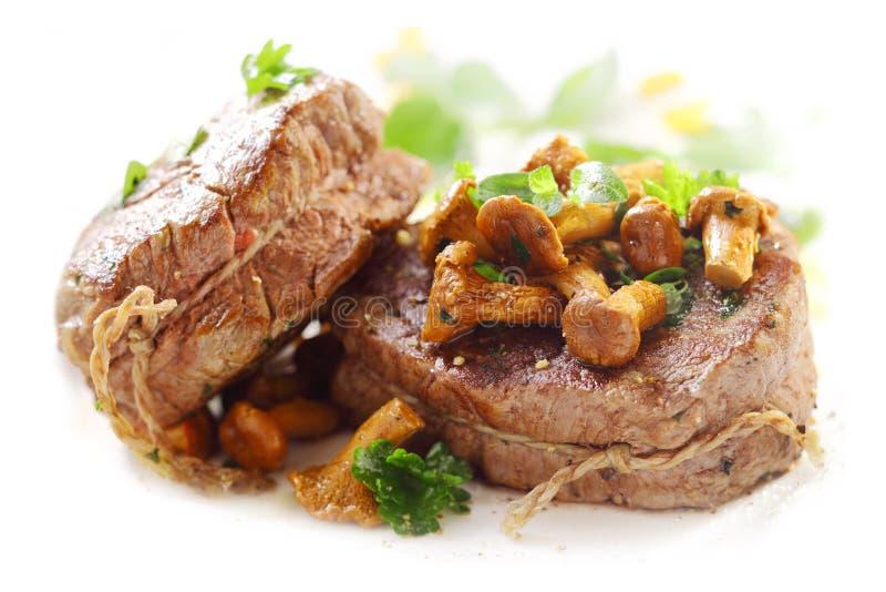 Piec na grillu medaliony polędwicowy stek zdjęcie royalty free