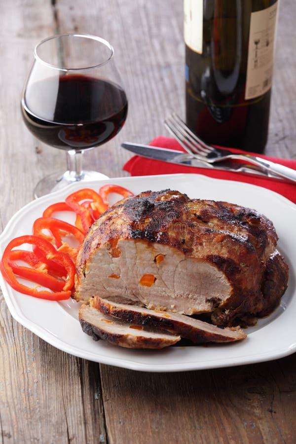 piec na grillu mięsny wino fotografia royalty free
