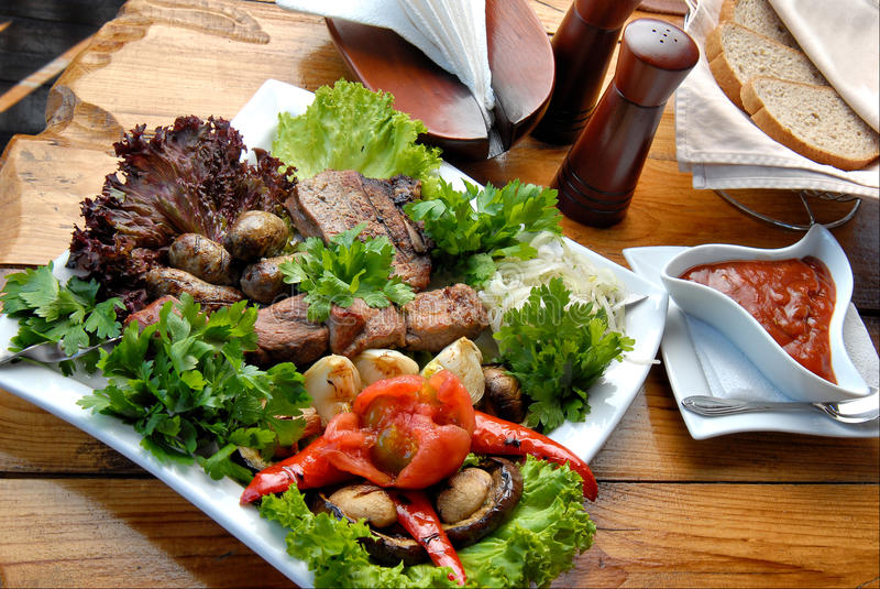 piec na grillu mięso fotografia stock