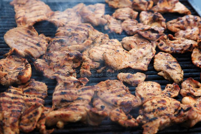 Piec na grillu mięso kawałki zdjęcia royalty free