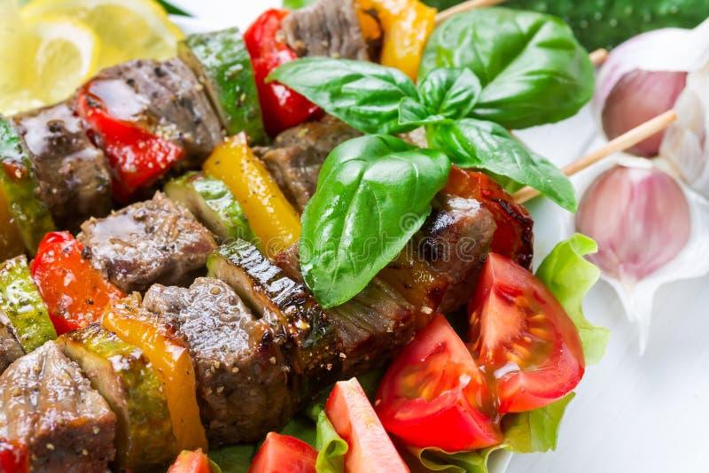 Piec na grillu mięso na skewers obraz royalty free