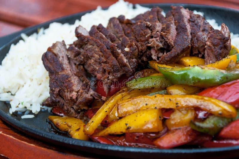 Piec na grillu obiadowego talerza zbliżenie zdjęcie stock