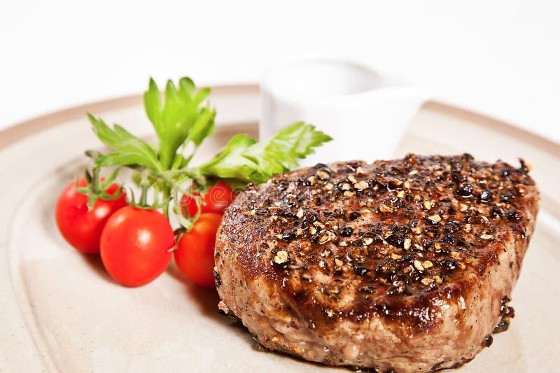 piec na grillu pieprzowy stek obrazy royalty free