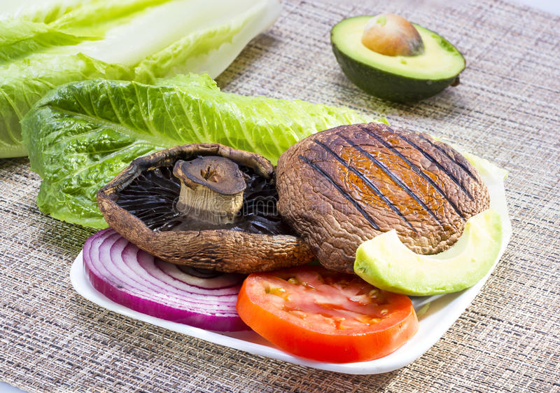 Piec na grillu portabella pieczarka. zdjęcie stock