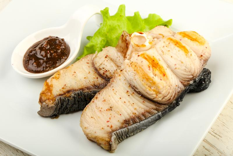Piec na grillu rekinu stek zdjęcia stock