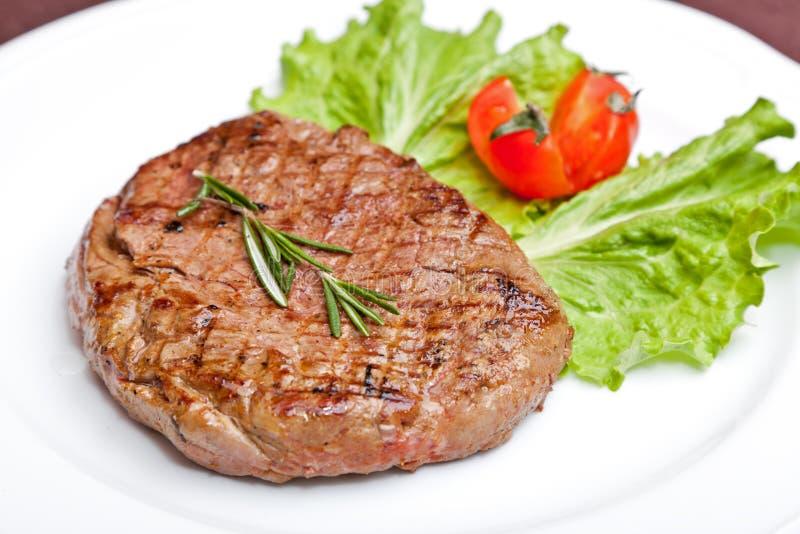 piec na grillu stek fotografia stock