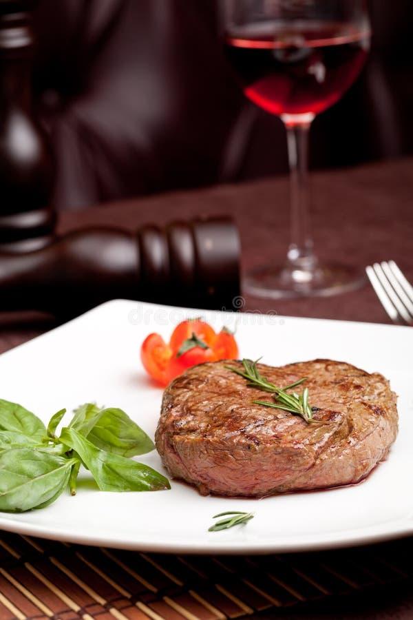 Piec na grillu stek zdjęcia royalty free
