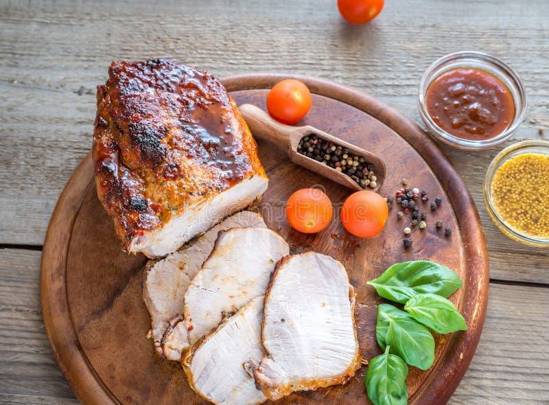Piec na grillu wieprzowina z świeżymi warzywami zdjęcia royalty free