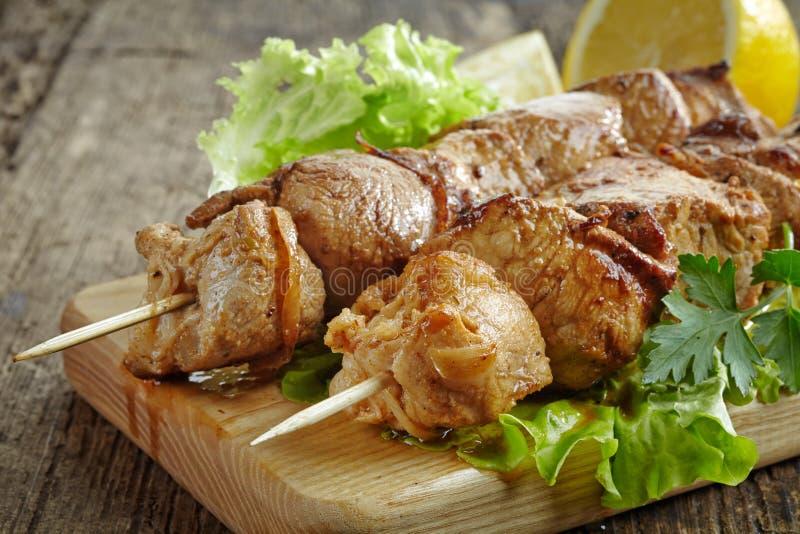 Piec na grillu wieprzowiny mięsa kebab zdjęcia royalty free
