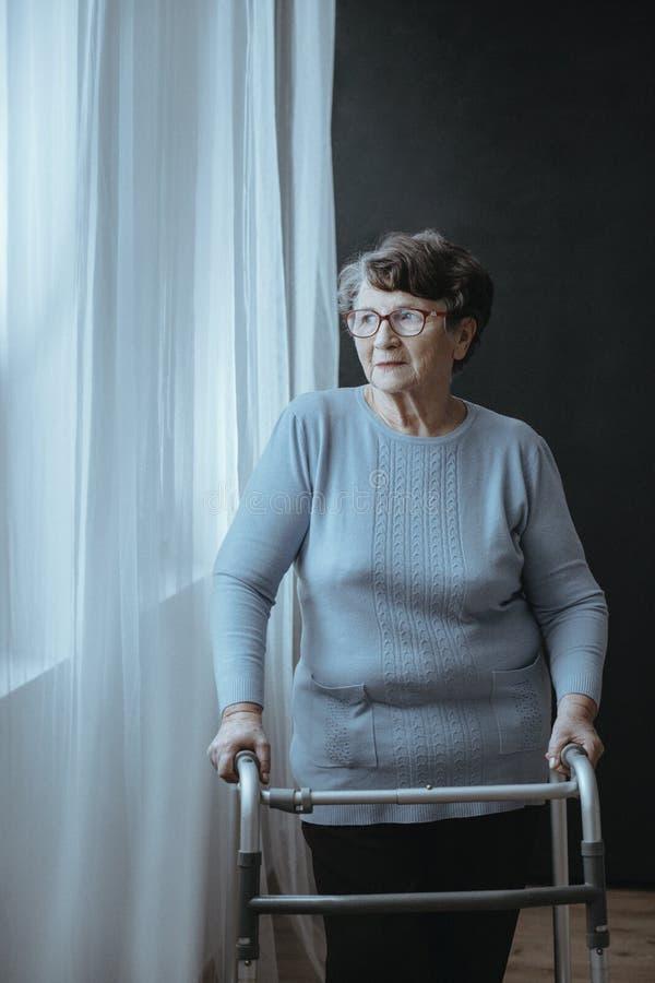 piechur starsza kobieta zdjęcia stock