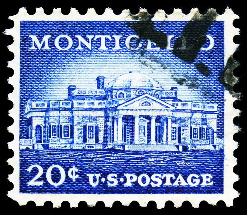 Pieczęć pocztowa drukowana w Stanach Zjednoczonych pokazuje Monticello (1772), Charlottesville, Virginia, Liberty Issue serie, ok obrazy royalty free