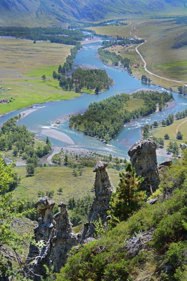 Pieczarkowi kamienie, dolina rzeczny Chulyshman, Akkurum, Altai Rosja obrazy stock