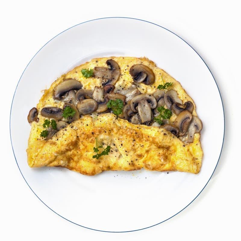 Pieczarkowy omlet na Półkowym Odgórnym widoku Odizolowywającym zdjęcie royalty free