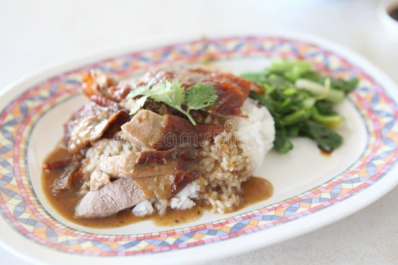 Pieczona kaczka nad ryż zdjęcie stock