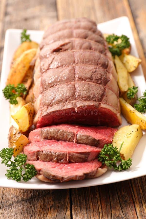 Pieczona wołowina I warzywa obraz stock