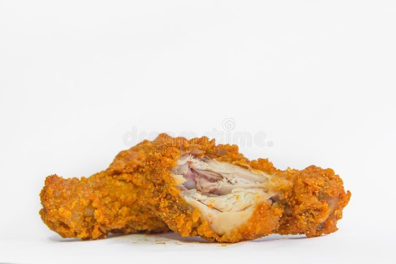 Pieczonych kurczaków drumsticks kąsek brać na białym tle obrazy stock