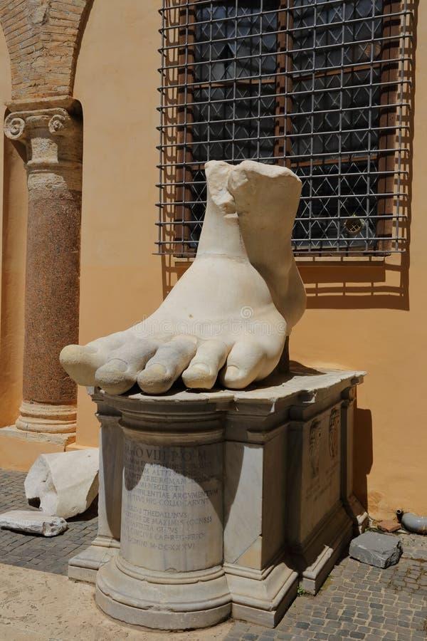 Pied gauche de Roman Emperor Constantine, Rome photo libre de droits