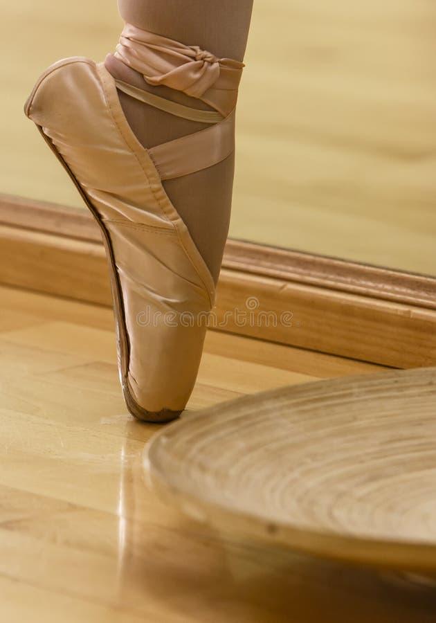 Piede del ballerino fotografie stock