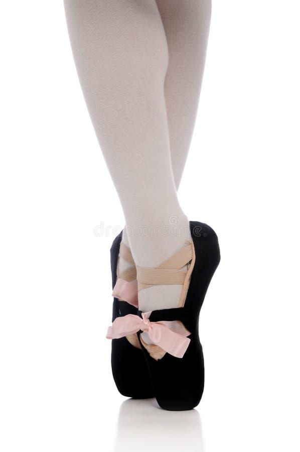 Piedi della ballerina su Pointe fotografia stock