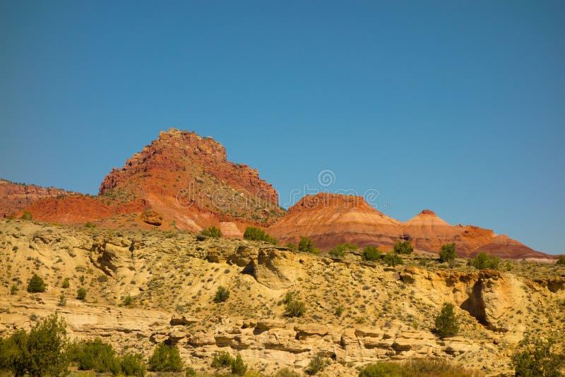 Piedra arenisca colorida en el desierto imagen de archivo libre de regalías