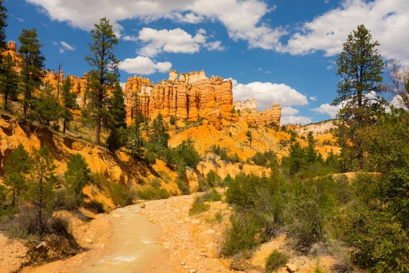 Piedra arenisca colorida en el desierto fotografía de archivo
