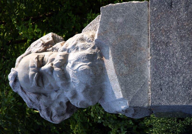 Piedra del busto de Karl Marx fotos de archivo libres de regalías