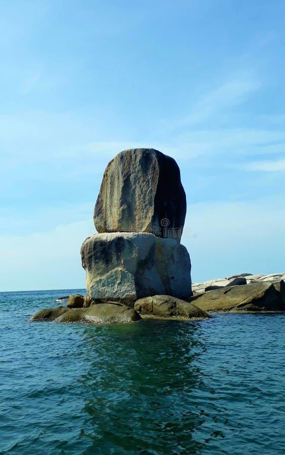 Piedra del cantero en Satun, dos rocas grandes acurrucadas foto de archivo libre de regalías