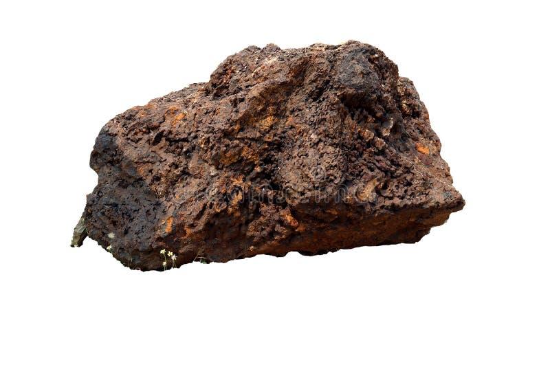 Piedra del hematites, superficie de piedra con capas de hematites y capas de cuarzo Mineral de hierro aislado en el fondo blanco fotografía de archivo