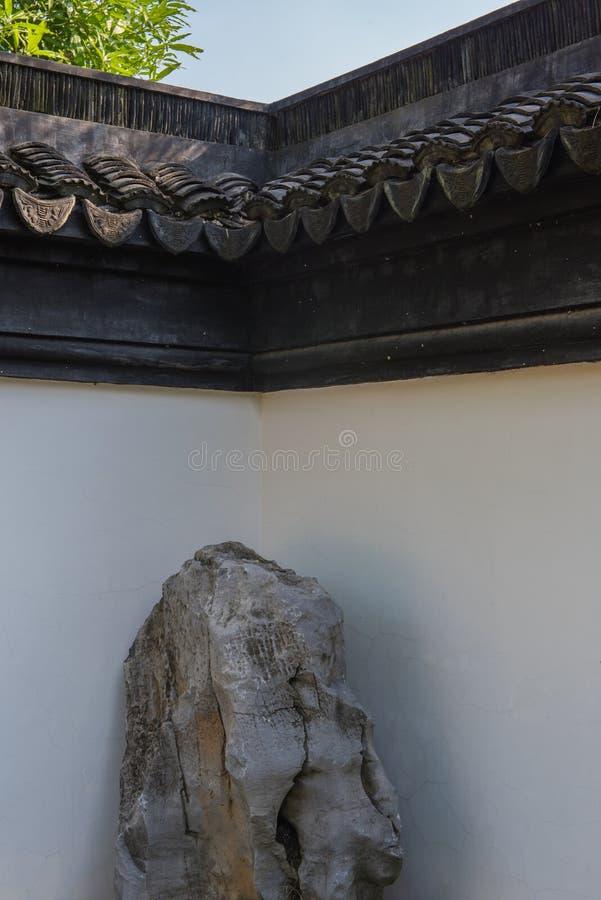 Piedra en la esquina imagen de archivo libre de regalías