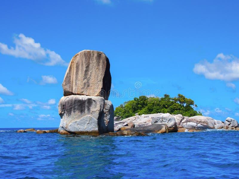 Piedra grande apilada, Koh Lipe, Satun, Tailandia fotos de archivo libres de regalías